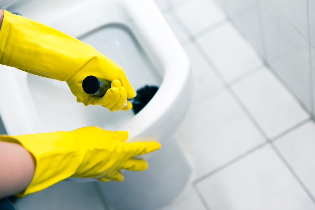 Five Steps to Properly Clean Your Office Bathrooms