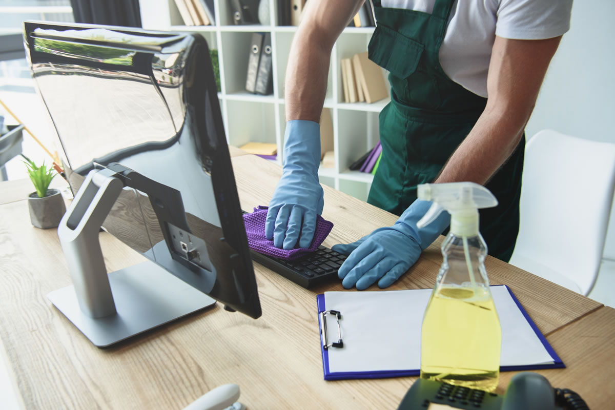 Five Cleaning Tips to Boost Work Productivity