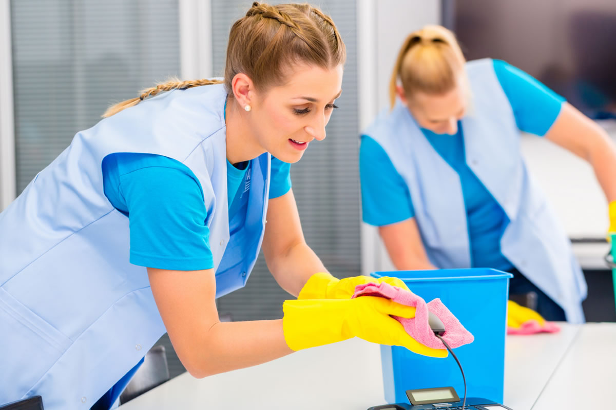 Five Reasons to Keep Your Workplace Clean and Organized